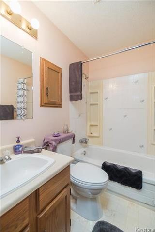 Photo 14: 31 Kinsley Crescent in Winnipeg: Lakeside Meadows Residential for sale (3K)  : MLS®# 1801046