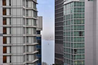 "Photo 16: 1101 1166 MELVILLE Street in Vancouver: Coal Harbour Condo for sale in ""ORCA PLACE"" (Vancouver West)  : MLS®# R2235452"