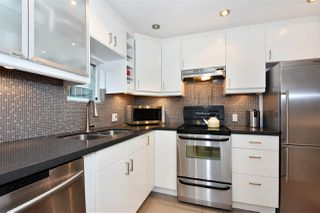 "Photo 6: 1101 1166 MELVILLE Street in Vancouver: Coal Harbour Condo for sale in ""ORCA PLACE"" (Vancouver West)  : MLS®# R2235452"