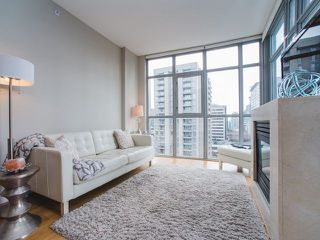 """Photo 2: 906 1050 SMITHE Street in Vancouver: West End VW Condo for sale in """"THE STERLING"""" (Vancouver West)  : MLS®# R2237107"""