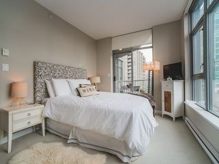 """Photo 9: 906 1050 SMITHE Street in Vancouver: West End VW Condo for sale in """"THE STERLING"""" (Vancouver West)  : MLS®# R2237107"""