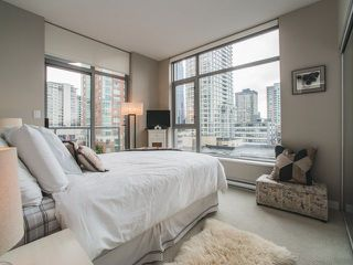 """Photo 10: 906 1050 SMITHE Street in Vancouver: West End VW Condo for sale in """"THE STERLING"""" (Vancouver West)  : MLS®# R2237107"""