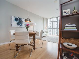 """Photo 5: 906 1050 SMITHE Street in Vancouver: West End VW Condo for sale in """"THE STERLING"""" (Vancouver West)  : MLS®# R2237107"""