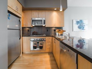 """Photo 7: 906 1050 SMITHE Street in Vancouver: West End VW Condo for sale in """"THE STERLING"""" (Vancouver West)  : MLS®# R2237107"""