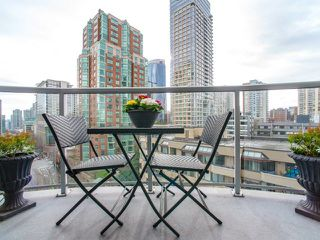 """Photo 14: 906 1050 SMITHE Street in Vancouver: West End VW Condo for sale in """"THE STERLING"""" (Vancouver West)  : MLS®# R2237107"""