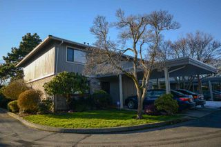 "Photo 1: 30 11771 KINGFISHER Drive in Richmond: Westwind Townhouse for sale in ""SOMERSET MEWS"" : MLS®# R2243106"