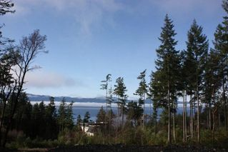 "Photo 1: LOT 105 JOHNSTON HEIGHTS Road in Pender Harbour: Pender Harbour Egmont Home for sale in ""DANIEL POINT"" (Sunshine Coast)  : MLS®# R2244687"