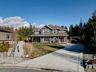 Photo 1: 4754 MISSION Road in Sechelt: Sechelt District House for sale (Sunshine Coast)  : MLS®# R2249020
