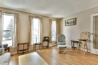 Photo 4: 1916 65 Street NE in Calgary: Pineridge House for sale : MLS®# C4177761