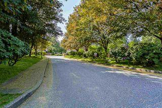 "Photo 3: 11 12227 SKILLEN Street in Maple Ridge: Northwest Maple Ridge Townhouse for sale in ""McKinney Creek"" : MLS®# R2271123"
