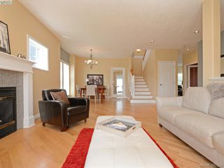 Photo 3: 1742 Mamich Circle in VICTORIA: SE Gordon Head Single Family Detached for sale (Saanich East)  : MLS®# 392330