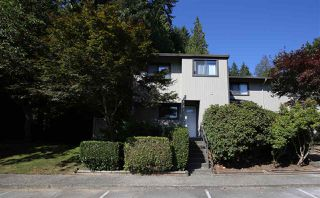 "Photo 2: 901 BRITTON Drive in Port Moody: North Shore Pt Moody Townhouse for sale in ""WOODSIDE VILLAGE"" : MLS®# R2290953"