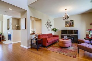 Photo 2: CHULA VISTA House for sale : 5 bedrooms : 1327 South Hills Dr