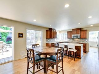 """Photo 10: 5812 185A Street in Surrey: Cloverdale BC House for sale in """"Cloverdale Hilltop"""" (Cloverdale)  : MLS®# R2335126"""