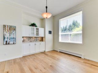 """Photo 5: 5812 185A Street in Surrey: Cloverdale BC House for sale in """"Cloverdale Hilltop"""" (Cloverdale)  : MLS®# R2335126"""