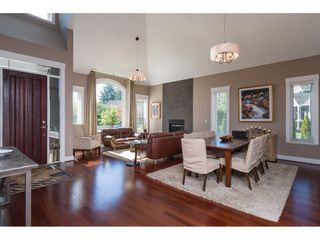 """Photo 2: 2114 INDIAN FORT Drive in Surrey: Crescent Bch Ocean Pk. House for sale in """"Ocean Park"""" (South Surrey White Rock)  : MLS®# R2346213"""