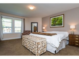 """Photo 10: 2114 INDIAN FORT Drive in Surrey: Crescent Bch Ocean Pk. House for sale in """"Ocean Park"""" (South Surrey White Rock)  : MLS®# R2346213"""