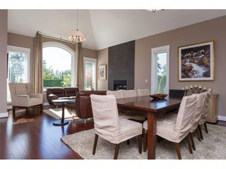 """Photo 3: 2114 INDIAN FORT Drive in Surrey: Crescent Bch Ocean Pk. House for sale in """"Ocean Park"""" (South Surrey White Rock)  : MLS®# R2346213"""