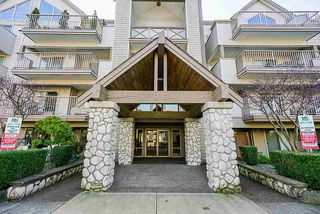 "Photo 2: 314 33478 ROBERTS Avenue in Abbotsford: Central Abbotsford Condo for sale in ""Aspen Creek"" : MLS®# R2355153"