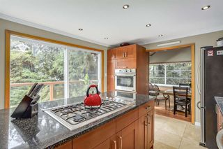 Photo 4: 300 BEAVER Road in North Vancouver: Upper Delbrook House for sale : MLS®# R2362944