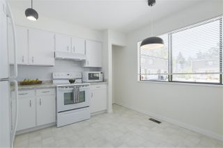 Photo 8: 7347 CORONADO Drive in Burnaby: Montecito Townhouse for sale (Burnaby North)  : MLS®# R2364748
