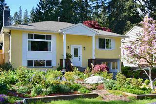 Photo 1: 3749 ST. ANDREWS Avenue in North Vancouver: Upper Lonsdale House for sale : MLS®# R2366318