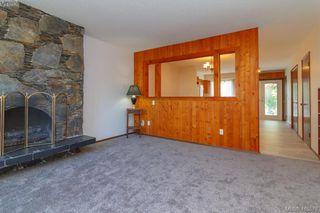 Photo 2: 945 Inskip Street in VICTORIA: Es Kinsmen Park Half Duplex for sale (Esquimalt)  : MLS®# 410578