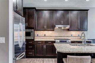 Photo 5: 173 WEST COACH Place SW in Calgary: West Springs Detached for sale : MLS®# C4248234