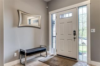 Photo 2: 173 WEST COACH Place SW in Calgary: West Springs Detached for sale : MLS®# C4248234