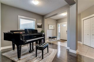 Photo 3: 173 WEST COACH Place SW in Calgary: West Springs Detached for sale : MLS®# C4248234