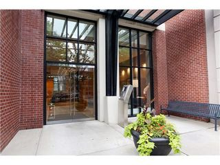 Photo 2: 1505 977 MAINLAND Street in Vancouver West: Yaletown Home for sale ()  : MLS®# V1024946