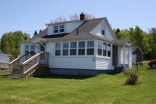 Photo 1: 5390 Shore Road in Youngs Cove: 400-Annapolis County Residential for sale (Annapolis Valley)  : MLS®# 201913325