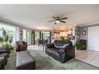 Photo 4: 2058 LION Court in Abbotsford: Abbotsford East House for sale : MLS®# R2378598