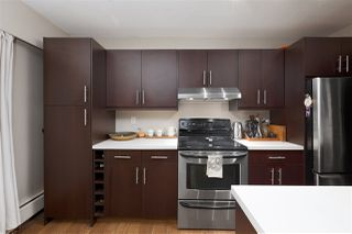 "Photo 3: 307 2330 MAPLE Street in Vancouver: Kitsilano Condo for sale in ""Maple Gardens"" (Vancouver West)  : MLS®# R2385940"