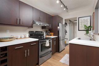 "Photo 2: 307 2330 MAPLE Street in Vancouver: Kitsilano Condo for sale in ""Maple Gardens"" (Vancouver West)  : MLS®# R2385940"