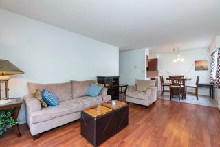 Photo 3: 202 1045 HOWIE Avenue in Coquitlam: Central Coquitlam Condo for sale : MLS®# R2396842