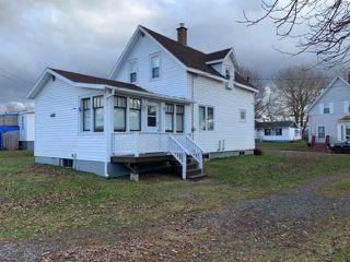 Photo 1: 45 Queen Street in Pugwash: 102N-North Of Hwy 104 Residential for sale (Northern Region)  : MLS®# 201926283