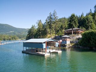 Photo 1: 12853 SUNSHINE COAST Highway in Sechelt: Pender Harbour Egmont House for sale (Sunshine Coast)  : MLS®# R2435860