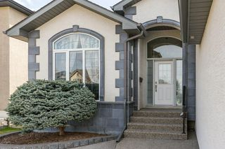 Photo 2: 129 SIMCOE Crescent SW in Calgary: Signal Hill Detached for sale : MLS®# C4286636