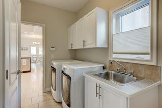 Photo 15: 129 SIMCOE Crescent SW in Calgary: Signal Hill Detached for sale : MLS®# C4286636