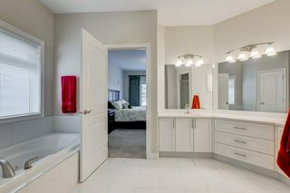 Photo 19: 129 SIMCOE Crescent SW in Calgary: Signal Hill Detached for sale : MLS®# C4286636