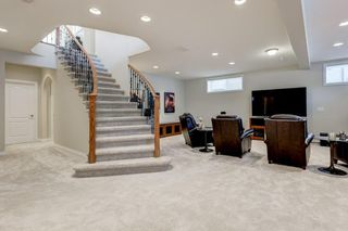 Photo 21: 129 SIMCOE Crescent SW in Calgary: Signal Hill Detached for sale : MLS®# C4286636