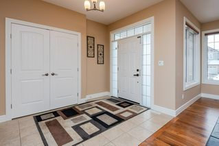 Photo 3: 4376 MCCLUNG Crescent in Edmonton: Zone 14 House for sale : MLS®# E4188521