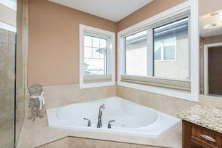 Photo 32: 4376 MCCLUNG Crescent in Edmonton: Zone 14 House for sale : MLS®# E4188521