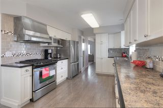 Photo 10: 2455 Silver Place in Kelowna: Dilworth House for sale (Central Okanagan)  : MLS®# 10196612
