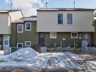 Photo 1: 459 ABBOTTSFIELD Road in Edmonton: Zone 23 Townhouse for sale : MLS®# E4191835