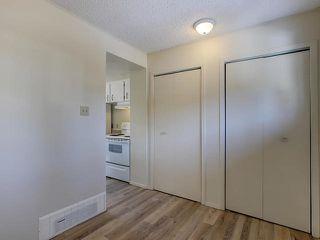 Photo 3: 459 ABBOTTSFIELD Road in Edmonton: Zone 23 Townhouse for sale : MLS®# E4191835