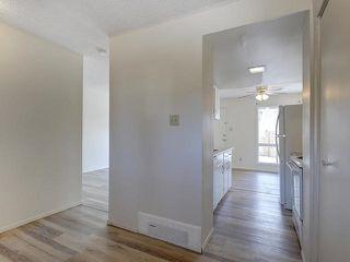 Photo 4: 459 ABBOTTSFIELD Road in Edmonton: Zone 23 Townhouse for sale : MLS®# E4191835