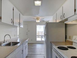 Photo 5: 459 ABBOTTSFIELD Road in Edmonton: Zone 23 Townhouse for sale : MLS®# E4191835