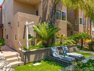 Photo 2: MISSION BEACH Townhome for sale : 3 bedrooms : 826 Ensenada in San Diego